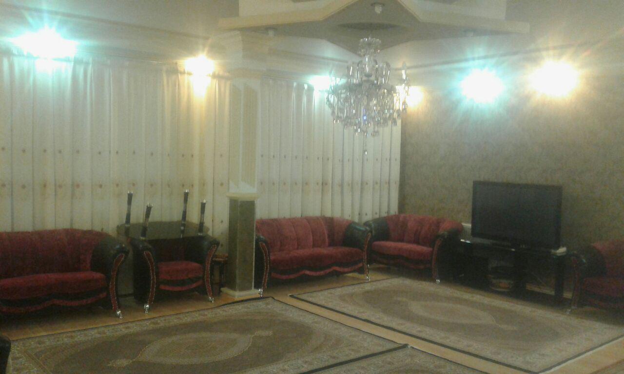 فروش طبقه اول از آپارتمان چهار طبقه