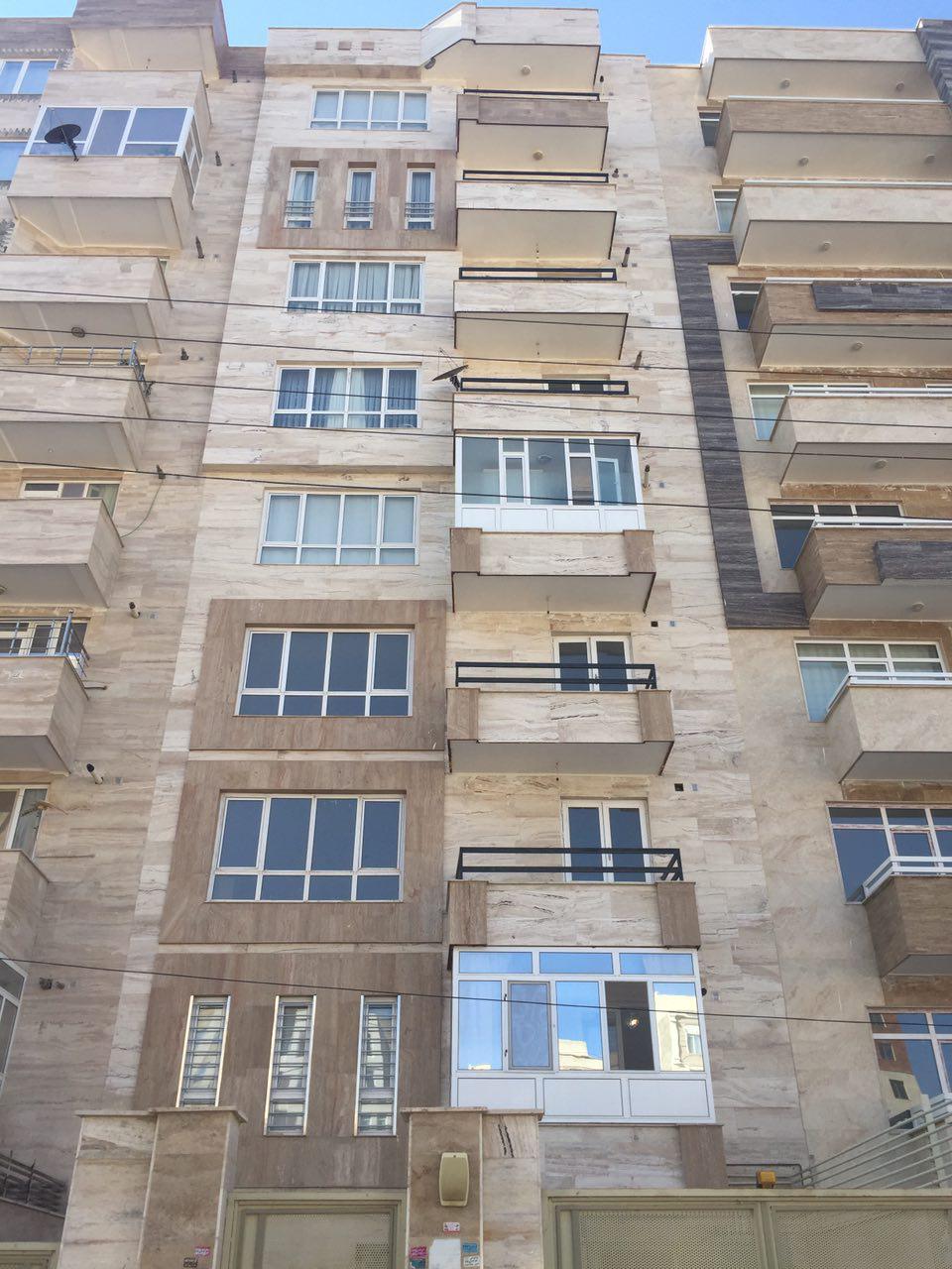 فروش طبقه سوم از آپارتمان 8 طبقه در شهرک نادری