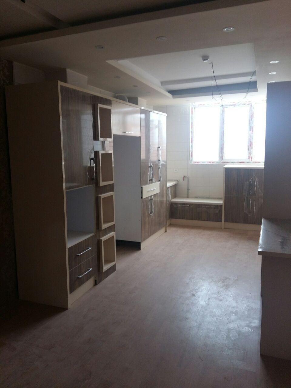 فروش طبقه ششم از آپارتمان 6 طبقه در شهرک آزادی