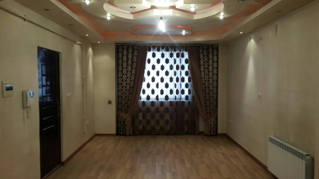 فروش طبقه دوم از آپارتمان 4 طبقه 8 واحده در شهرک زرناس