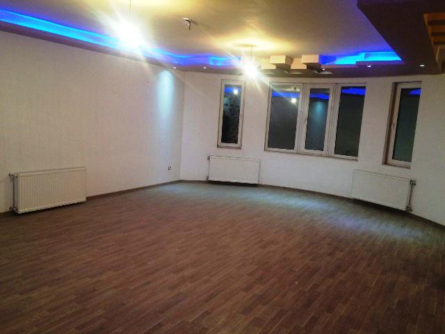 فروش طبقه چهارم از آپارتمان 7 طبقه در ایستگاه سرعین