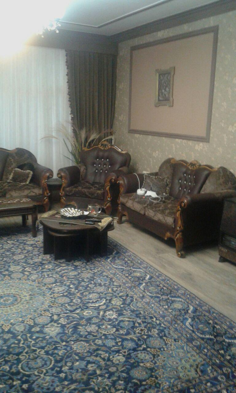 فروش طبقه اول از آپارتمان 3 طبقه در شهرک حافظ