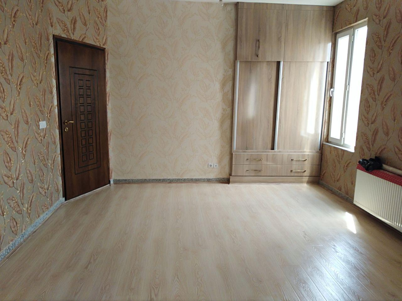 فروش طبقه پنجم از آپارتمان 6 طبقه در میدان بسیج