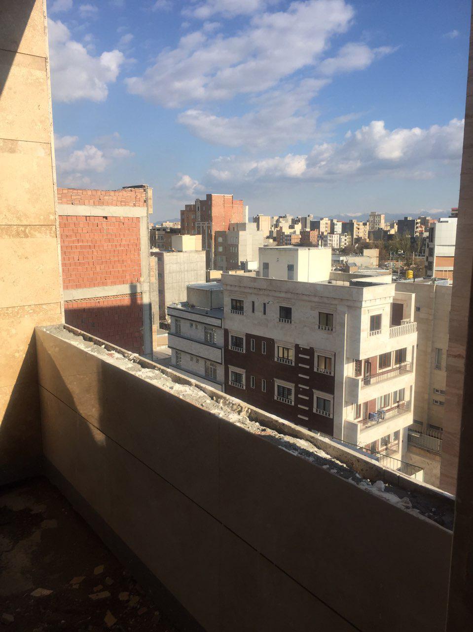 فروش طبقه ششم از آپارتمان 6 طبقه در خیابان معلم