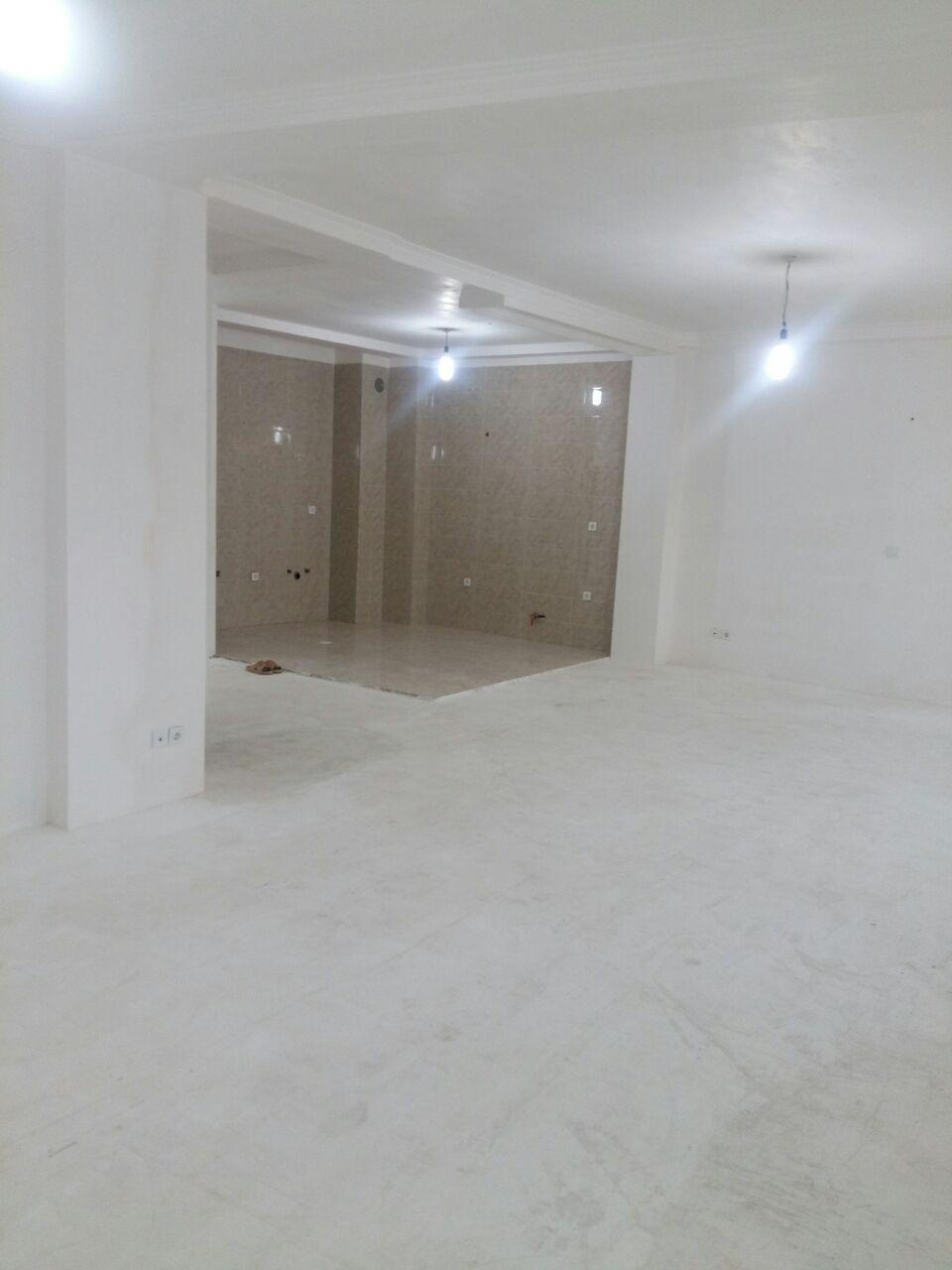 فروش طبقه ششم از آپارتمان 6 طبقه در میدان ورزش