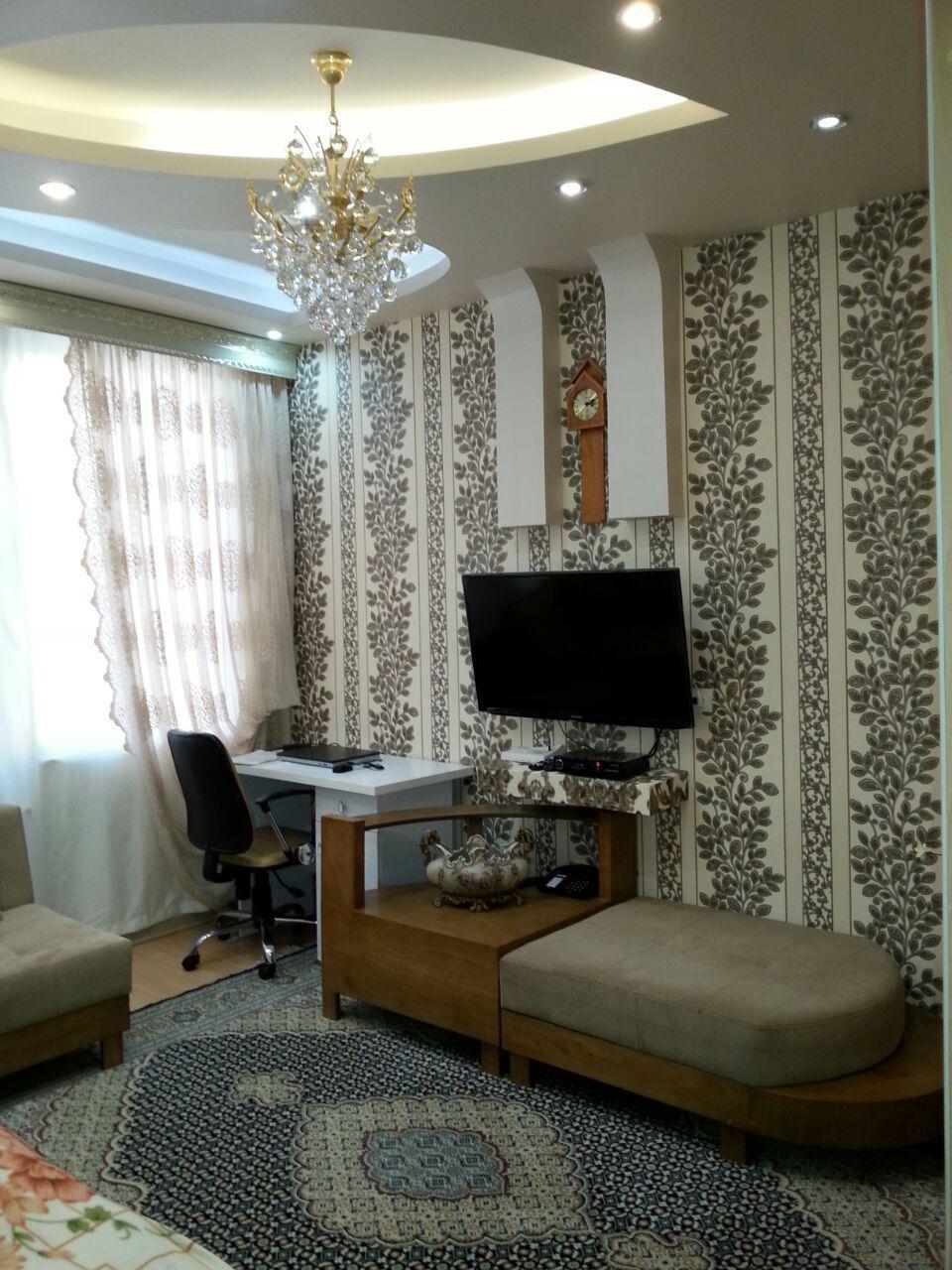 فروش طبقه سوم از آپارتمان 4 طبقه در شهرک حافظ