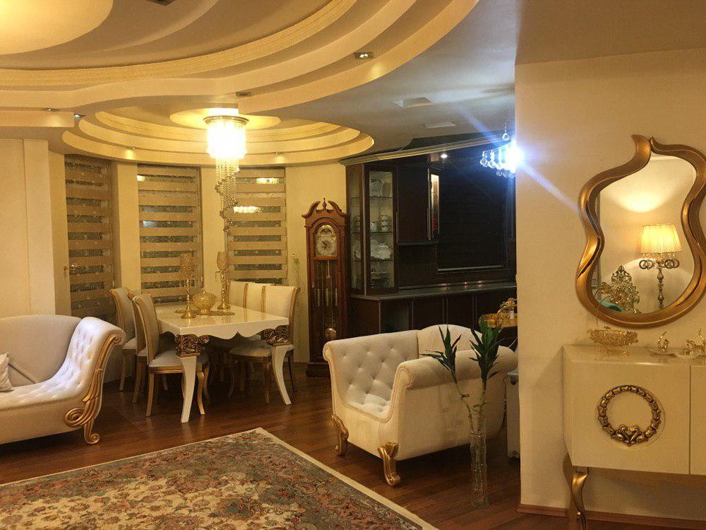 فروش طبقه دوم از آپارتمان 4 طبقه در شهرک آزادی