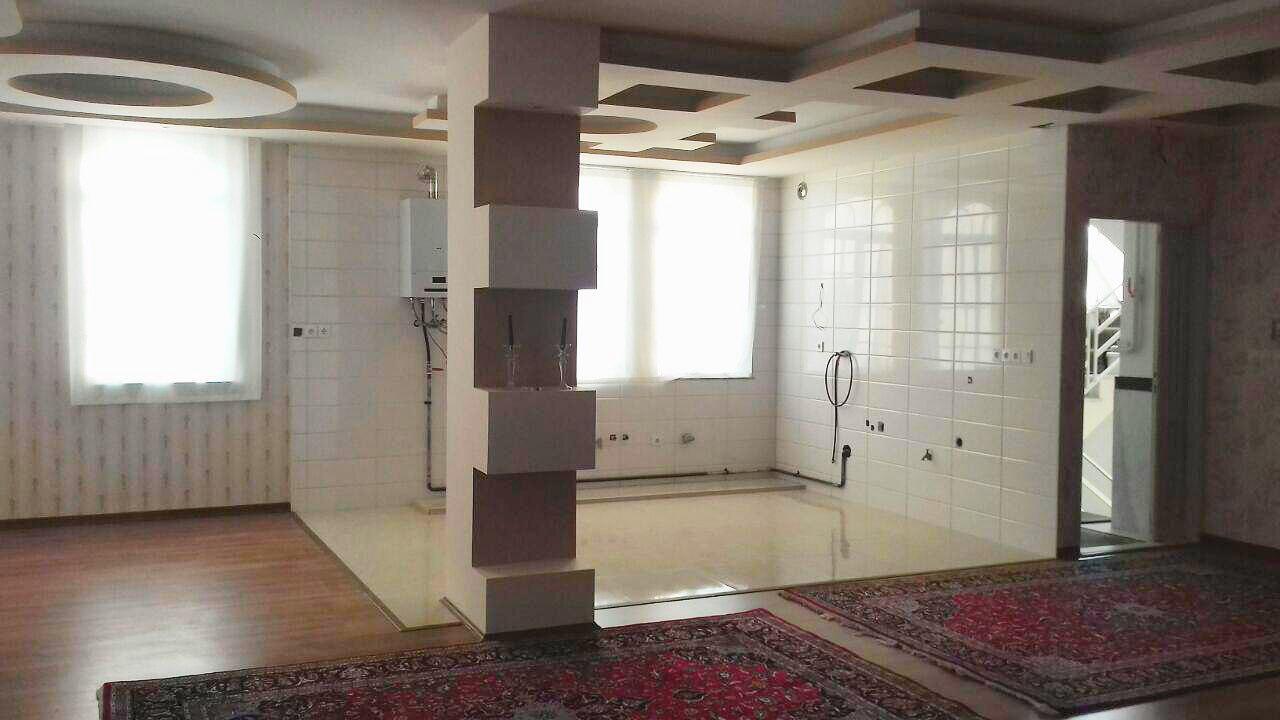 فروش خانه ویلایی پیلوت 2طبقه در میدان بسیج