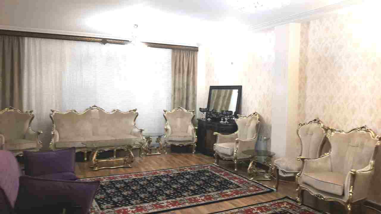فروش طبقه سوم از آپارتمان 3 طبقه در شهرک گلسار