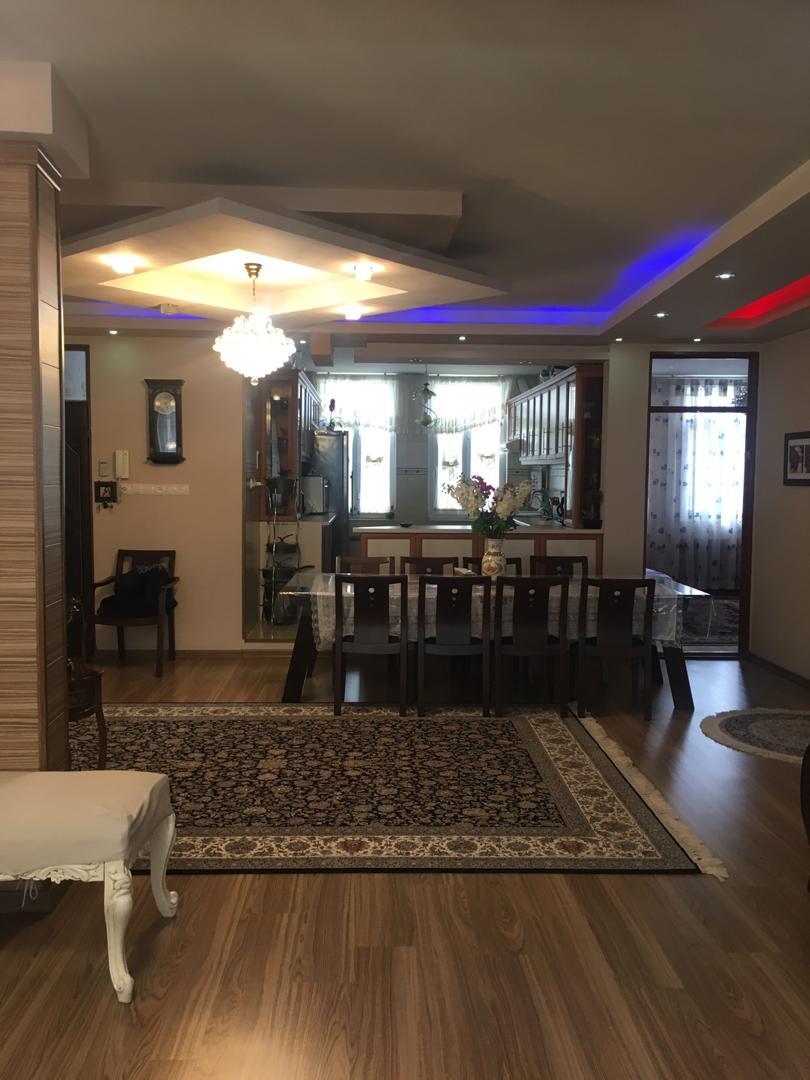 فروش طبق سوم از آپارتمان 3 طبقه در میدان ججین