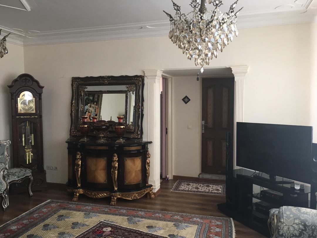 فروش طبقه اول از آپارتمان 6 طبقه(20واحد) در شهرک کارشناسان