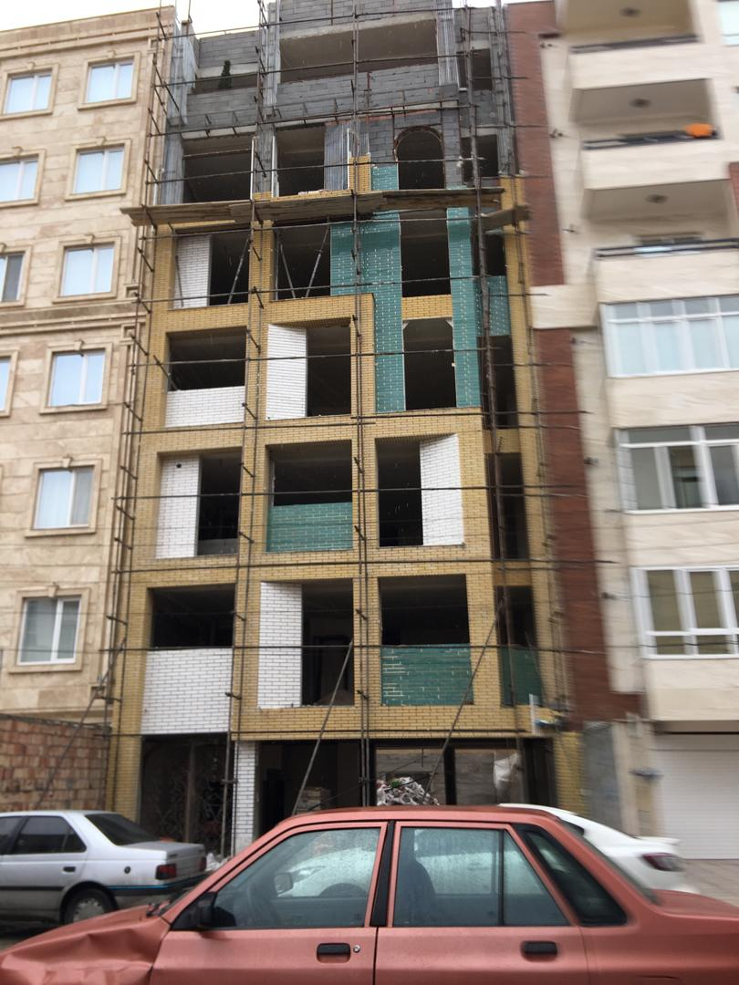 فروش طبقات 1،5و6 از آپارتمان 6 طبقه با بهار خواب در شهرک کارشناسان