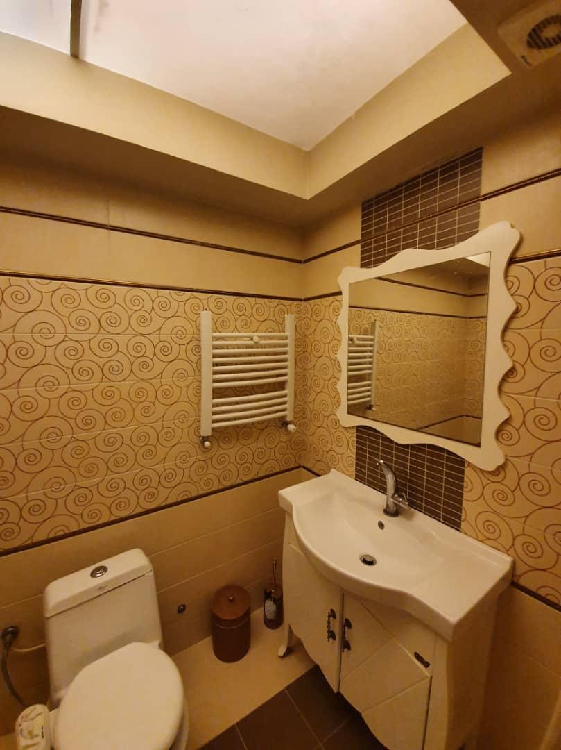 فروش طبقه پنجم از آپارتمان 6 طبقه در ایستگاه سرعین