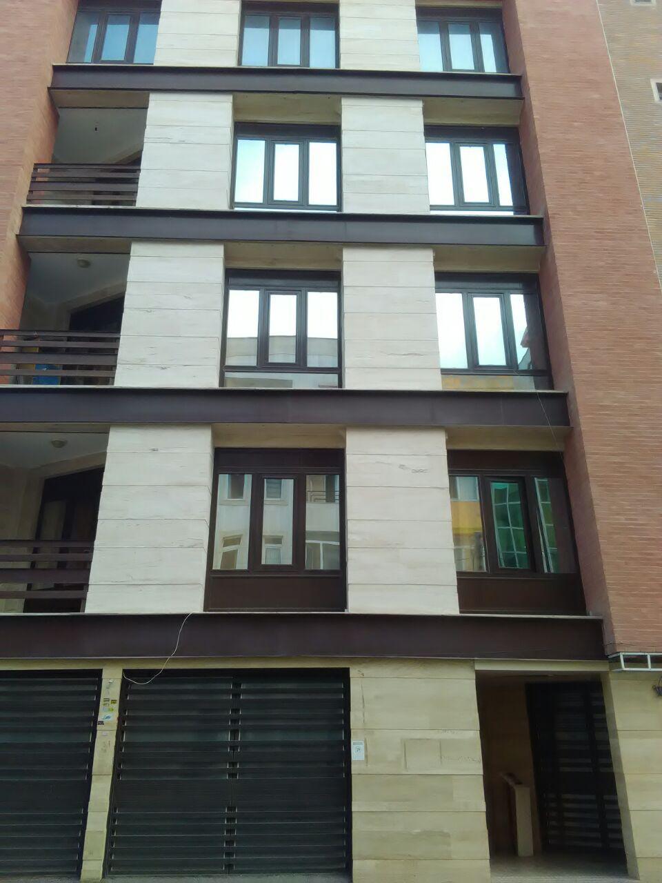 فروش  طبقه سه از آپارتمان چهار طبقه(هشت واحد) در شهرک آزادی