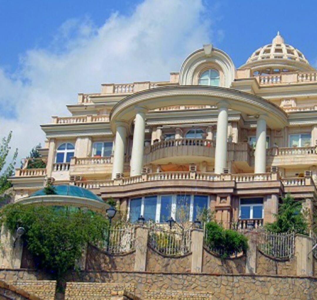 فروش خانه ویلایی 3 طبقه در شهرک کارشناسان